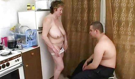 Позіхнувши, брудні Фліксом трахкають перед гарний секс молодих відео БФ - Хейлі -